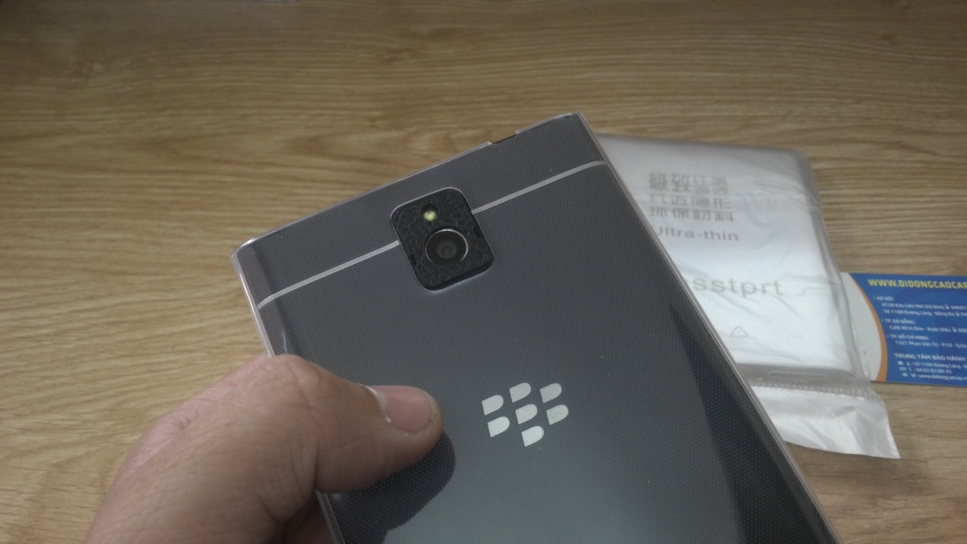 Op lung Dien thoai BlackBerry Passport Silicon Utral