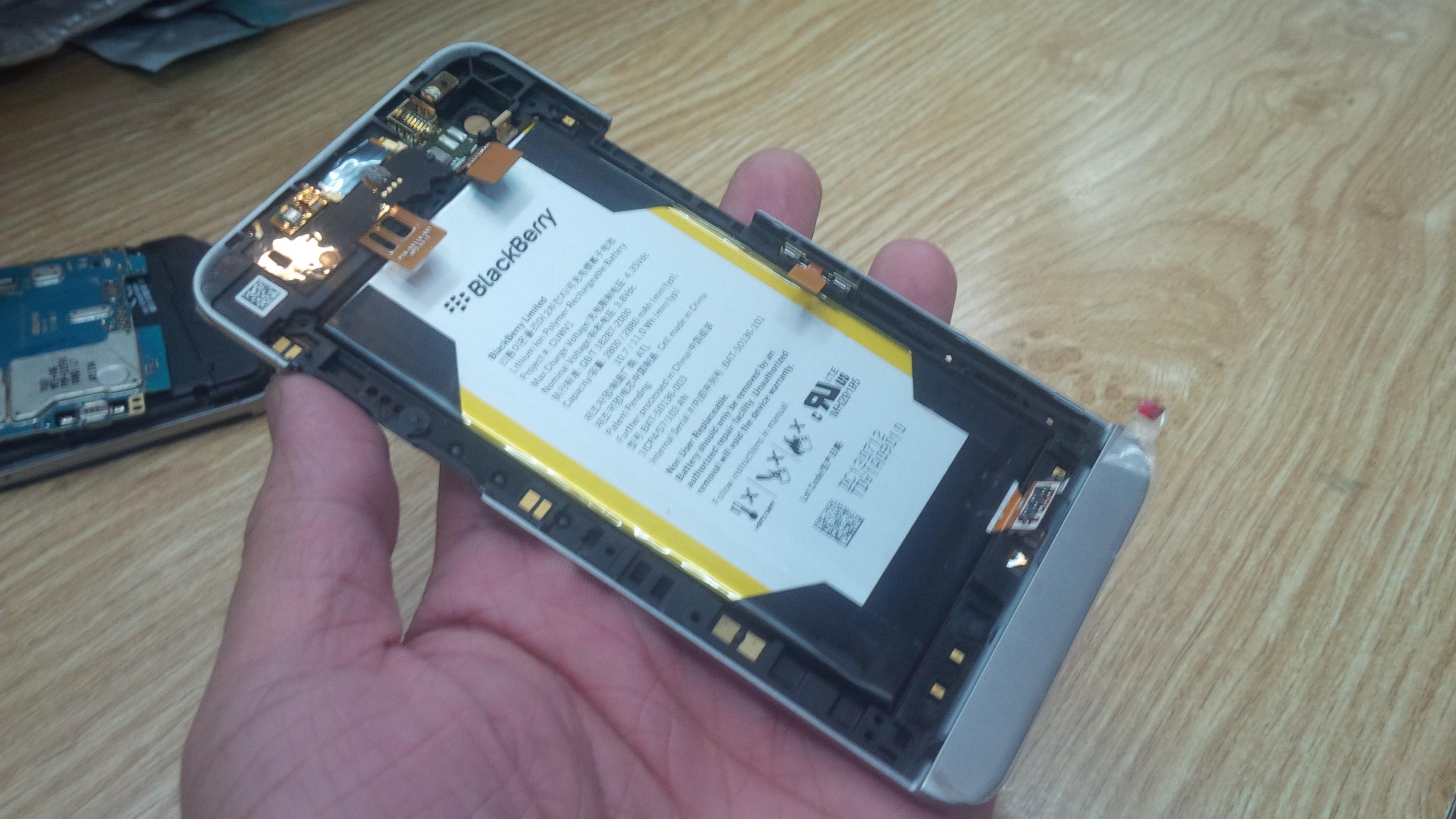 Viền Xương Benzen BlackBerry Z30 Chính hãng Miễn Phí Ship